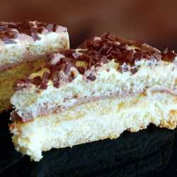 Torta alla crema chantilly